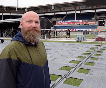 Terje Erstad i Momentium følger rigg av Jugendfest på Color Line Stadion